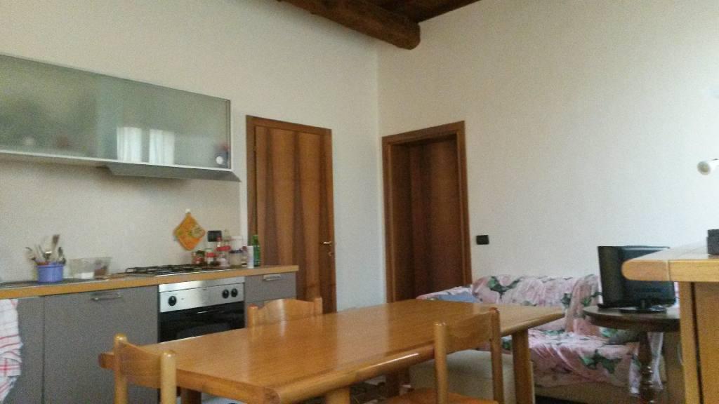 Appartamento in centro con 2 camere da letto for Appartamento con 2 camere da letto